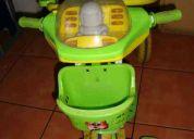 Regalo triciclo para niño robot