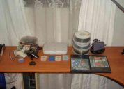 Se vende play station one + 64 juegos + accesorios