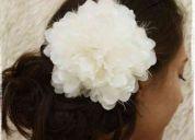 Venta de tocados, tiaras y flores para novias