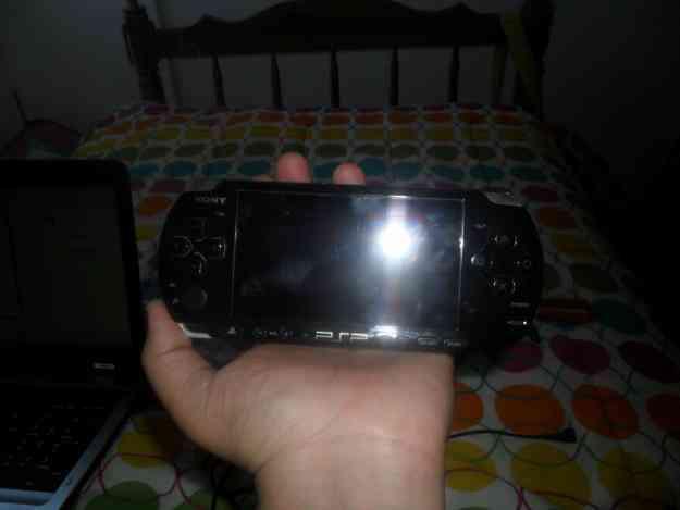 PSP3001+Memory4GB+2 Juegos Originales+Regalos... (DesbloqueoPermanente)