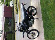 Vendo moto yamaha 250 cc año 2009
