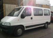 Minibus de transpote depersonas