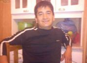 Raul valenzuela  maestro carpintero