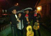 Mariachis y sus romanticas serenatas..!!