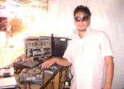 Deejay  de    pub & discotheque