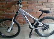 Se vende bicicleta de descenso o downhill