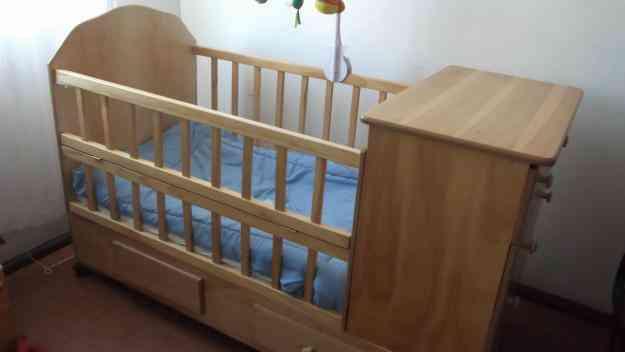 Cuna de madera para bebe valpara so capital valparaiso for Cunas para bebes de madera