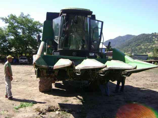 cosechadora de grano John Deere 1075