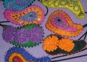 Cintillos goma tubular con diseño toca en fieltro y tachas metalicas