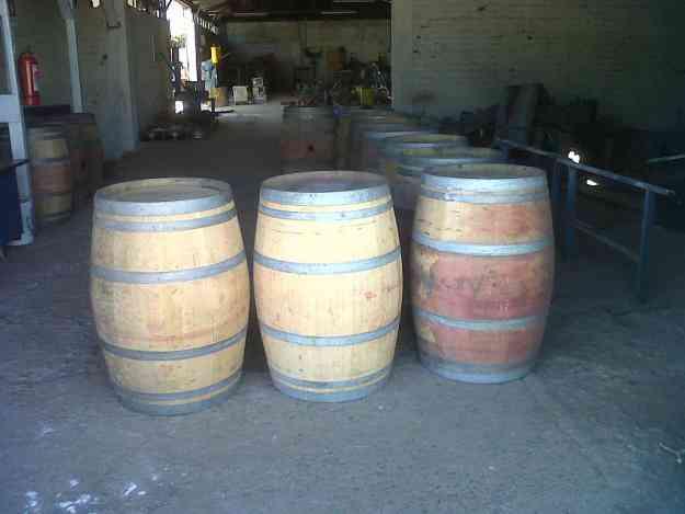 barriles de  roble  frances