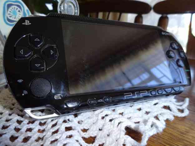 PSP desbloq + bolso+mem.4gb+juegos en cd
