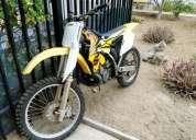 Moto suzuki rm 250cc.