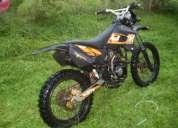 Vendo moto enduro exelente estado año 2010