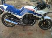 Vendo moto suzuki año  1986