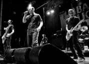Juntando los mejores músicos para banda punk rock y hardcore melódico
