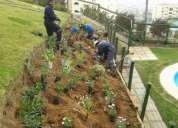 Se necesita ayundantes de jardineros
