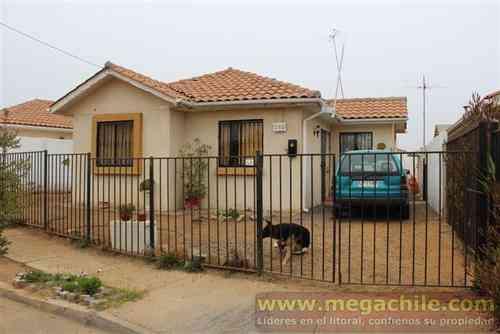 Casa sólida en Algarrobo sector Aguas Marinas