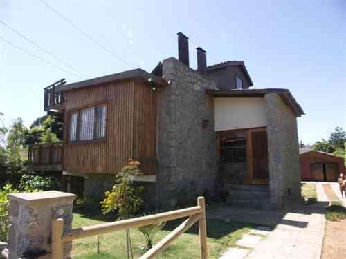 Hermosa casa en Algarrobo 3 niveles gran chimenea
