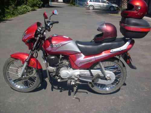 Vendo Moto Scooters 2.000. Kilometros
