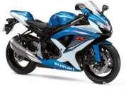 Moto deportiva azul en perfectas condiciones