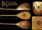 Baglama instrumento turco