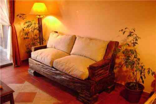 Muebles rusticos de roble y durmientes la granja doplim for Bar rustico de madera nativa