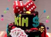 Se ofrecen preciosas tortas de cumpleaños y eventos en fondant