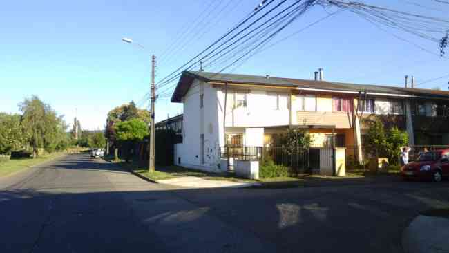 Casa avenida estadio 5 habitaciones temuco for Arriendo de casas en temuco