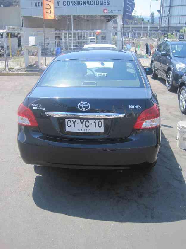 Toyota Yaris Sedan XLI 1.5 Negro Mecánico