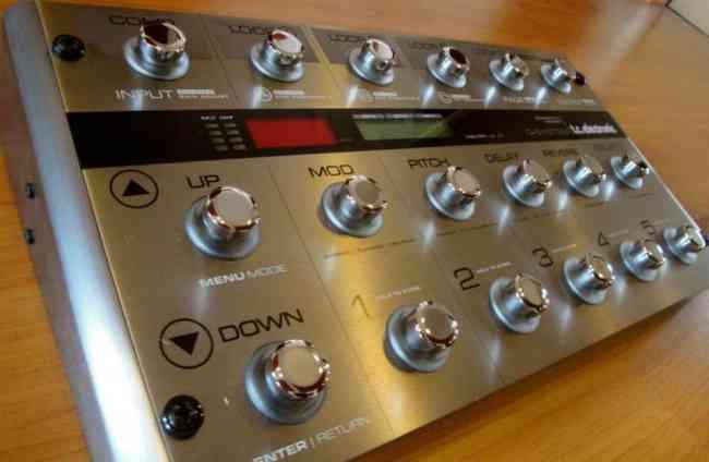 Multiefecto/Controladora MIDI