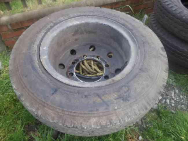 Neumáticos de camión de 8000 Kilos aprox