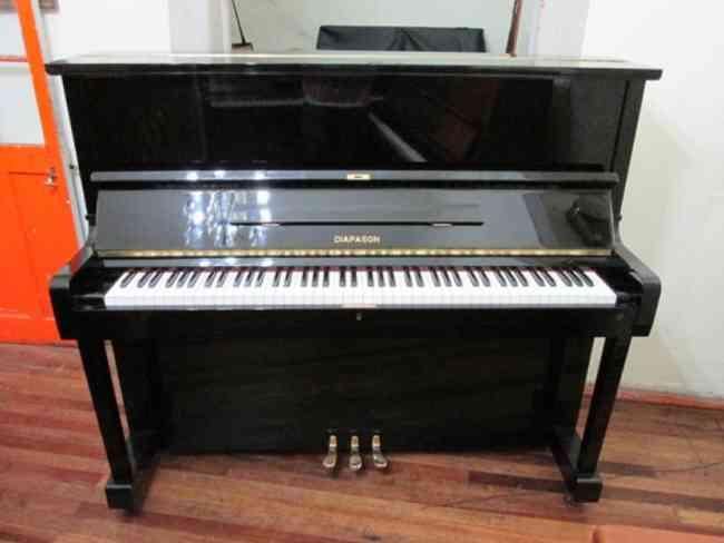 importadora de pianos buen sonido