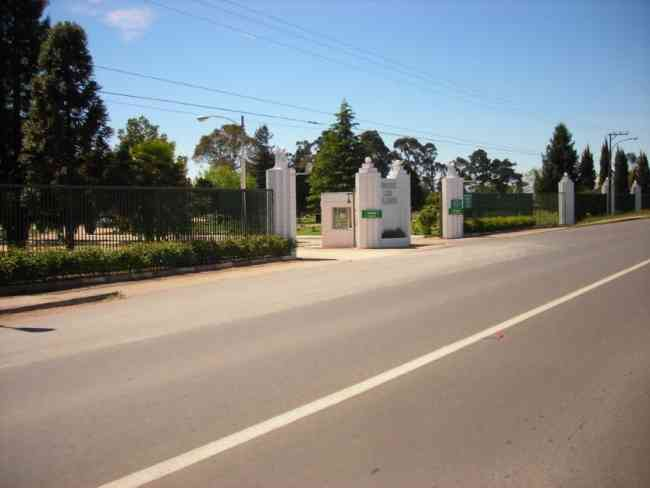 Vendo sepultura en cementerio Parque Las Flores