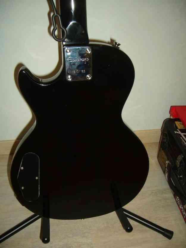 Se vende guitarra epiphone les paul junior de 1990, capsula p90 perfecto estado