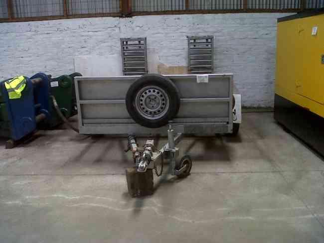 Carro de arrastre en excelente estado para traslados de maquinaria