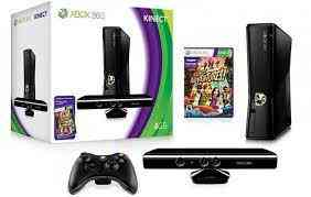 Se vende Xbox 360 consola 4GB + Kinect