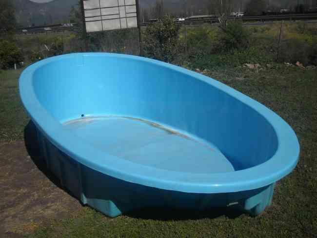 piscina de fibra usada