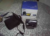 Vendo camara de video sony  graba con tarjeta sd y dvd