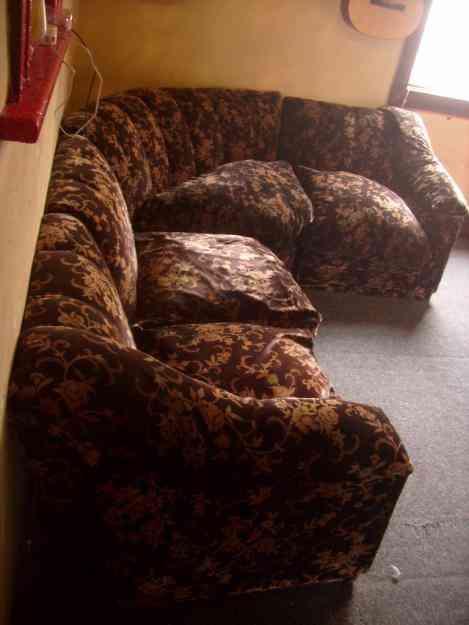 Living esquinero usado en perfectas condiciones por viaje for Hogar a lena esquinero