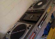 Case para dj incluye tornas, mixer y vinilos.