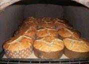 Pan de pascua casero y galletitas de navidad.