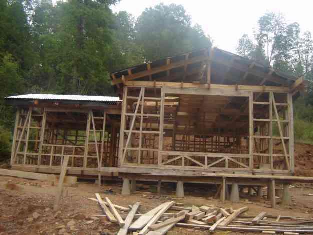 vendo terreno con casa semi construida Valdivia $25.000.000 conversable