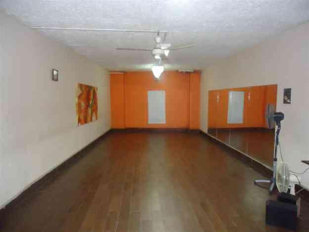 Sala para Yoga, Teatro, Danza entre otros.