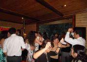 Iluminación decorativa, pista de baile, dj eventos, matrimonios,amplificación, fiestas...