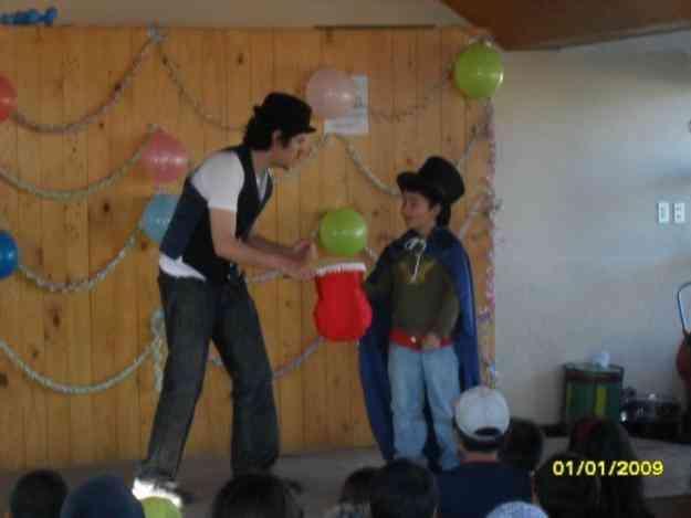 MAGO KELIN, magia alegre participativa y asombrosa