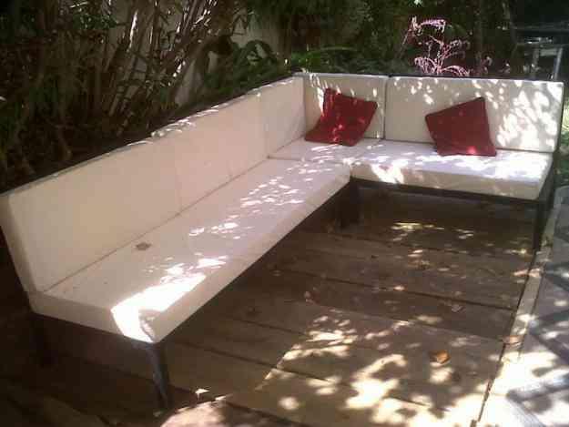 Living y comedores de fierro la for Muebles terraza fierro