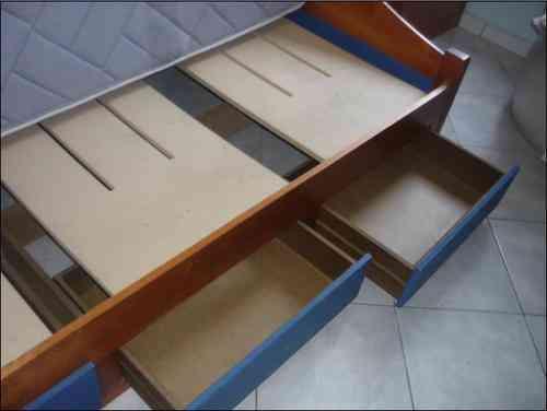 Vendo cama 1 plaza de madera con cajones y colchon cic for Vendo bar de madera