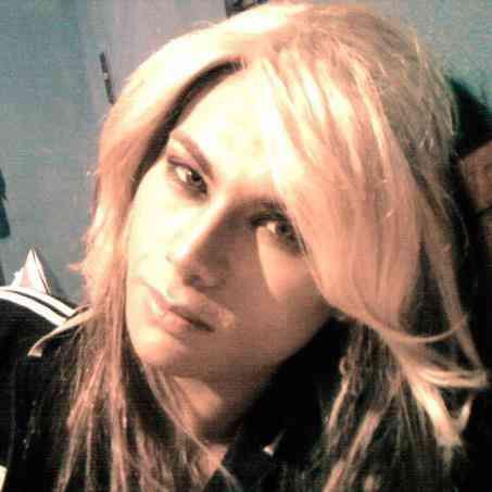 chica travesti 22 años rubia 180 delgada ojos verdes  linda figura full sin limites vienes o voy