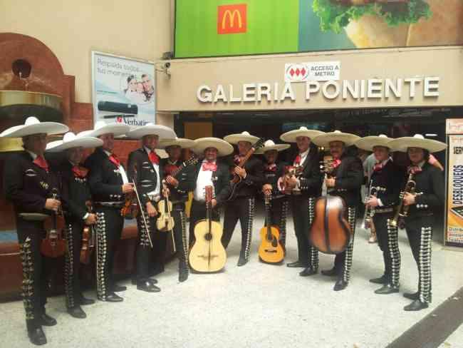Mariachis en calera de tango