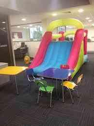 juego inflable, cama elastica, plaza entretenida niños pequeños